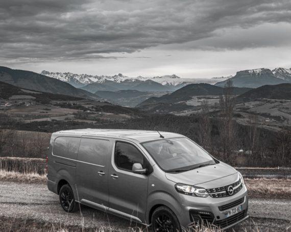 New van Opel Vivaro 2020